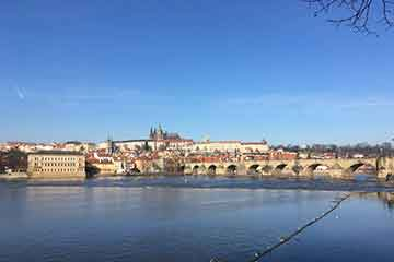 Prague vacances assurance voyage AVI International